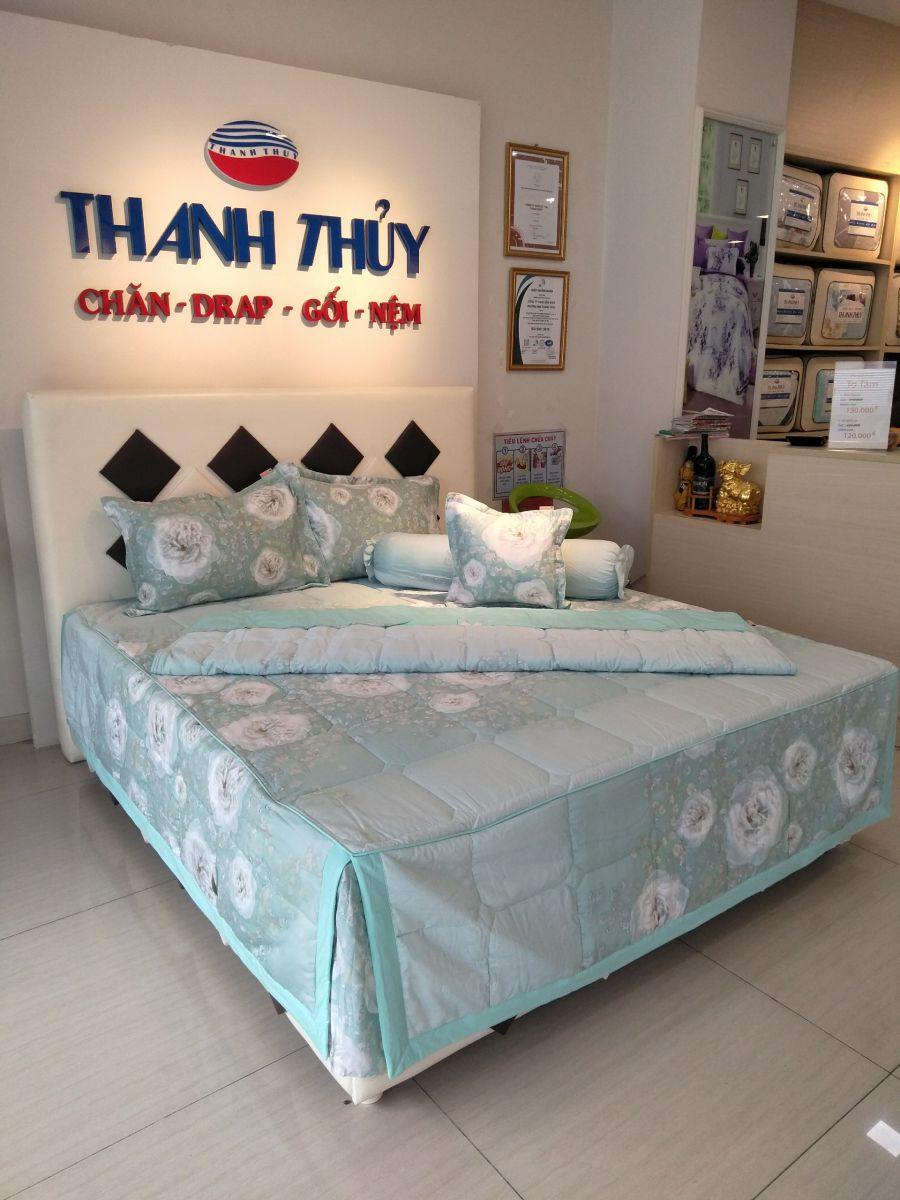 thanh-thuy-to-tam-69